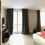 Photo of Hotel Napolit'amo Medina
