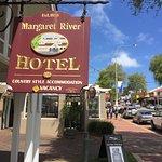 Photo de Margaret River Hotel
