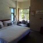 Perennial Resort resmi