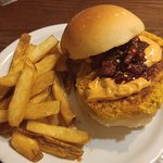 curry burger with fries