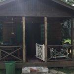 Photo de Jah B's Doll House Cottages