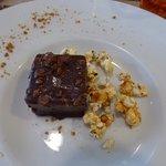 crémeux de chocolat praliné, pop corn (délicieux et léger)
