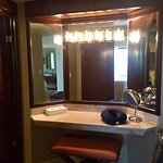Imperial Suite / Presidential Suite (Room 8040) - Vanity