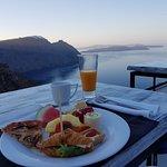 Petit-déjeuner sur la terrasse! A couper le souffle!