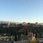 Local excelente para mirar La Alhambra!