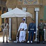 Guardias uniformados