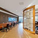 Photo de SpringHill Suites by Marriott Bellingham