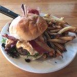 620 State - pimento burger