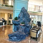 Large piece of rock in the lobby gves a nice contrast