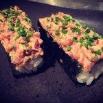 Sushishop con i prodotti freschissimi preparati ed esposti, le nostre migliori ricette, pranzo e