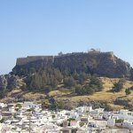 Blick auf Lindos mit Akropolis