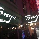 Foto de Tony's Di Napoli - Midtown