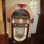 Old time juke box with thousands of tunes.