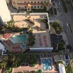 Great condo room, long balcony, great views from 35 floor.