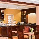 Photo de Homewood Suites by Hilton Boston Cambridge-Arlington