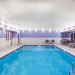 Foto de Holiday Inn Express Hotel & Suites Bellevue