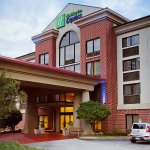 Newly Renovated Holiday Inn Express Downtown Greenville