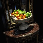 Complimentary apples in foyer, nice touch