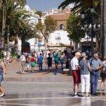 Balcon de Europa, wird von sehr vielen Touristen besucht.....