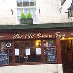 Foto de Old Green Tree