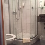 En-suite bathroom in double room (immaculate cleanliness)