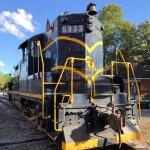 Chesapeake & Ohio engine #5833, a GP7 built in 1952
