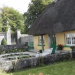 Thatched roof house (one of many in Adare