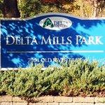MI-Lansing-Delta_Mills-sign