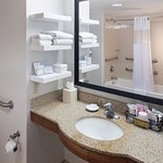 Photo de Hampton Inn & Suites Tulare