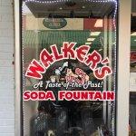 Photo de Walker's Soda Fountain