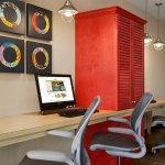 Photo de Home2 Suites by Hilton Huntsville / Research Park Area