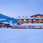 Adventure Lodge & Chalet in Winterstimmung