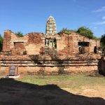 Fotografie: Temple of the Royal Restoration (Wat Ratchaburana)