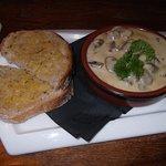Creamy garlic mushroom and garlic bread