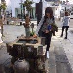通りにある井戸