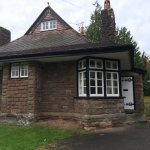 Exterior of Raglan Lodge