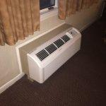 Foto de Econo Lodge Inn & Suites Groton