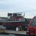 Tugboat Inn Foto