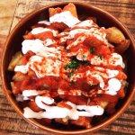 El cous-cous, el pulpo y las patatas bravas