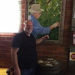 Foto do viticultor da familia no quadro