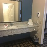 Photo de Baymont Inn & Suites Erie