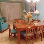 1BR Mainsail dining/living room