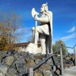 Viling Statue