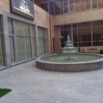 Ani Plaza Hotel Foto