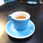 Um café xico, no capricho na Coffe Town do Mercado de Santelmo