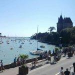 vue sur la mer et le château