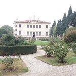 La Villa vista dall'ingresso