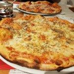 صورة فوتوغرافية لـ Bino's Pizzeria