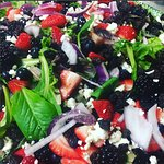 Fresh Berry & Spinach Salad