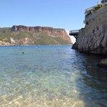 vue sur le cap canaille, eau transparente, à quelques pas du centre de Cassis